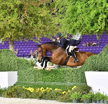 Samantha Schaefer Dominates the Derbies at final WEC Winter Spectacular